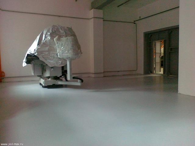 Полиуретановое полимерное покрытие, наполненное кварцевым песком по технологии «под шубу»